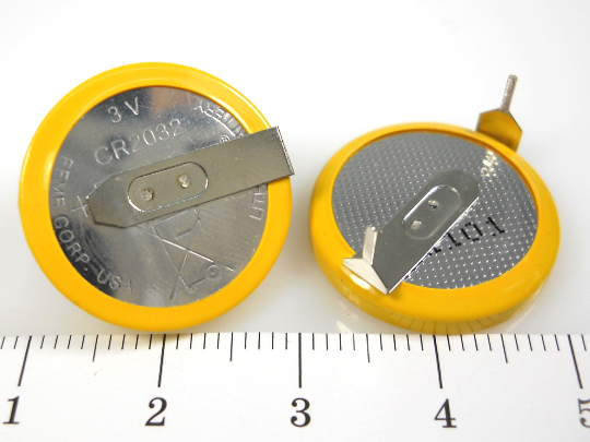 pin-vang-cr2032-3v-2-chan